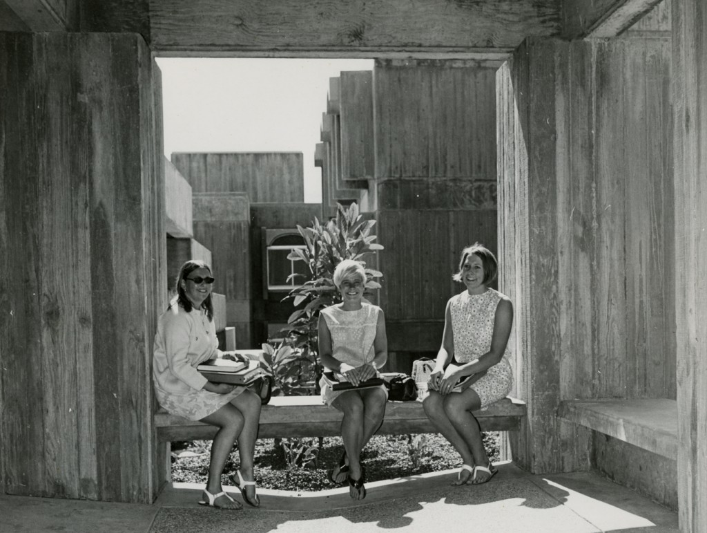 Women students sitting in Yosemite dorm patio, undated (University Archives Photograph Collection, University Archives, UA-Buildings-Dorms-Yosemite-02)