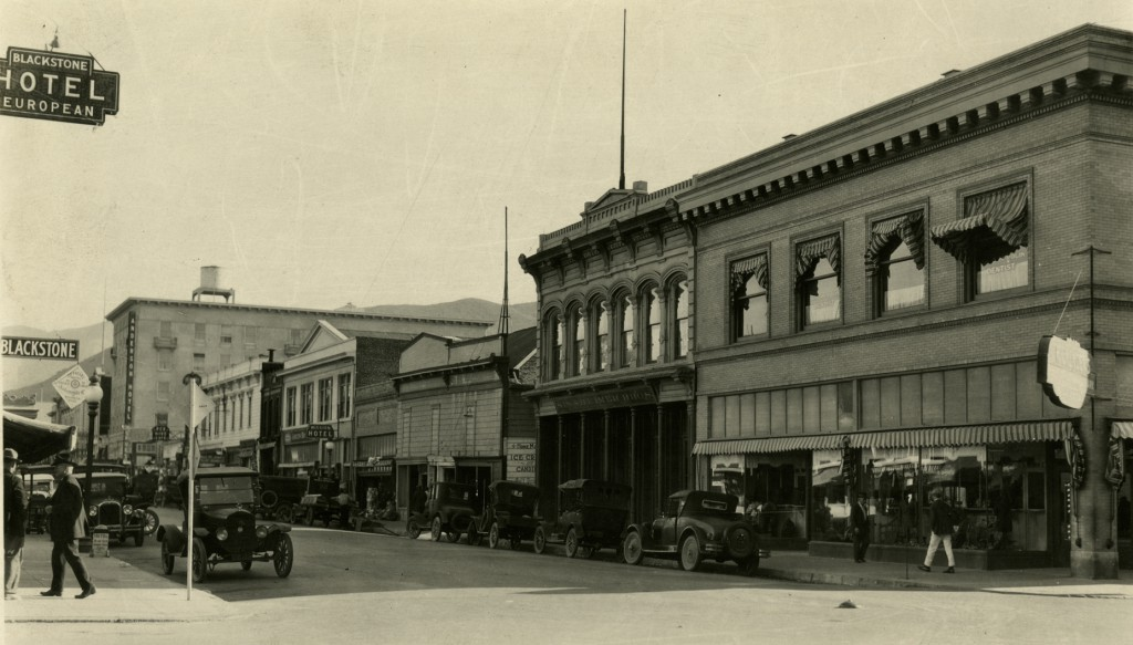 The Shinsheimer Bros. storefront on Monterey Street in downtown San Luis Obispo, c. 1925 (Sinsheimer Collection, Special Collections and Archives, California Polytechnic State University, 036-8-e-123-05-02)
