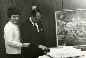 Mr. and Mrs. Kennedy with cake and map of Cal Poly